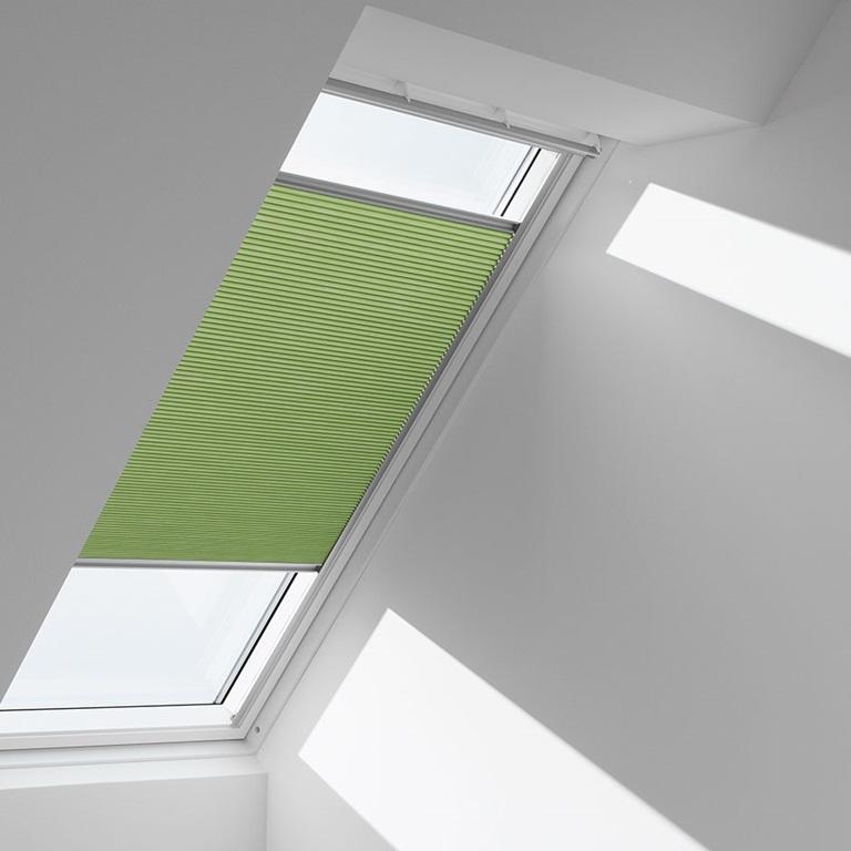 velux insektsn t njut av frisk luft utan insekter. Black Bedroom Furniture Sets. Home Design Ideas